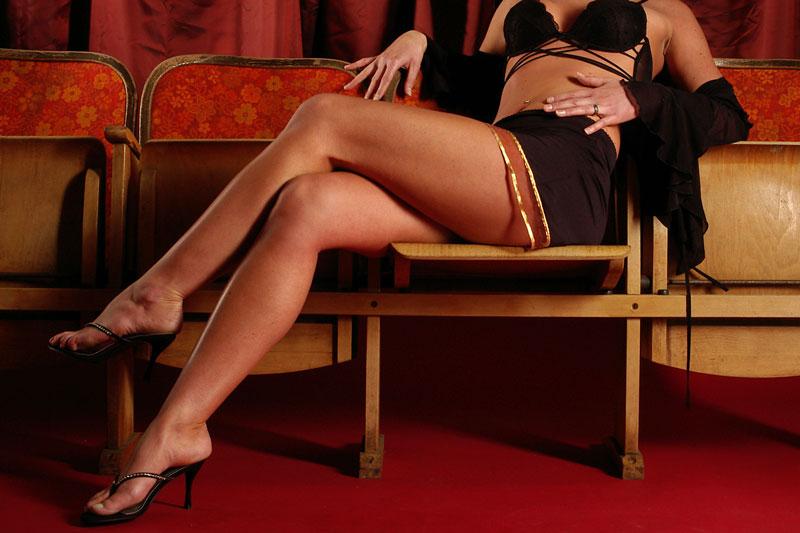 Im Sexkino nicht nur an der Seitenlinie stehen, sondern mitmischen!